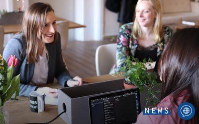 Dialogo con una giovane donna Innovation Manager